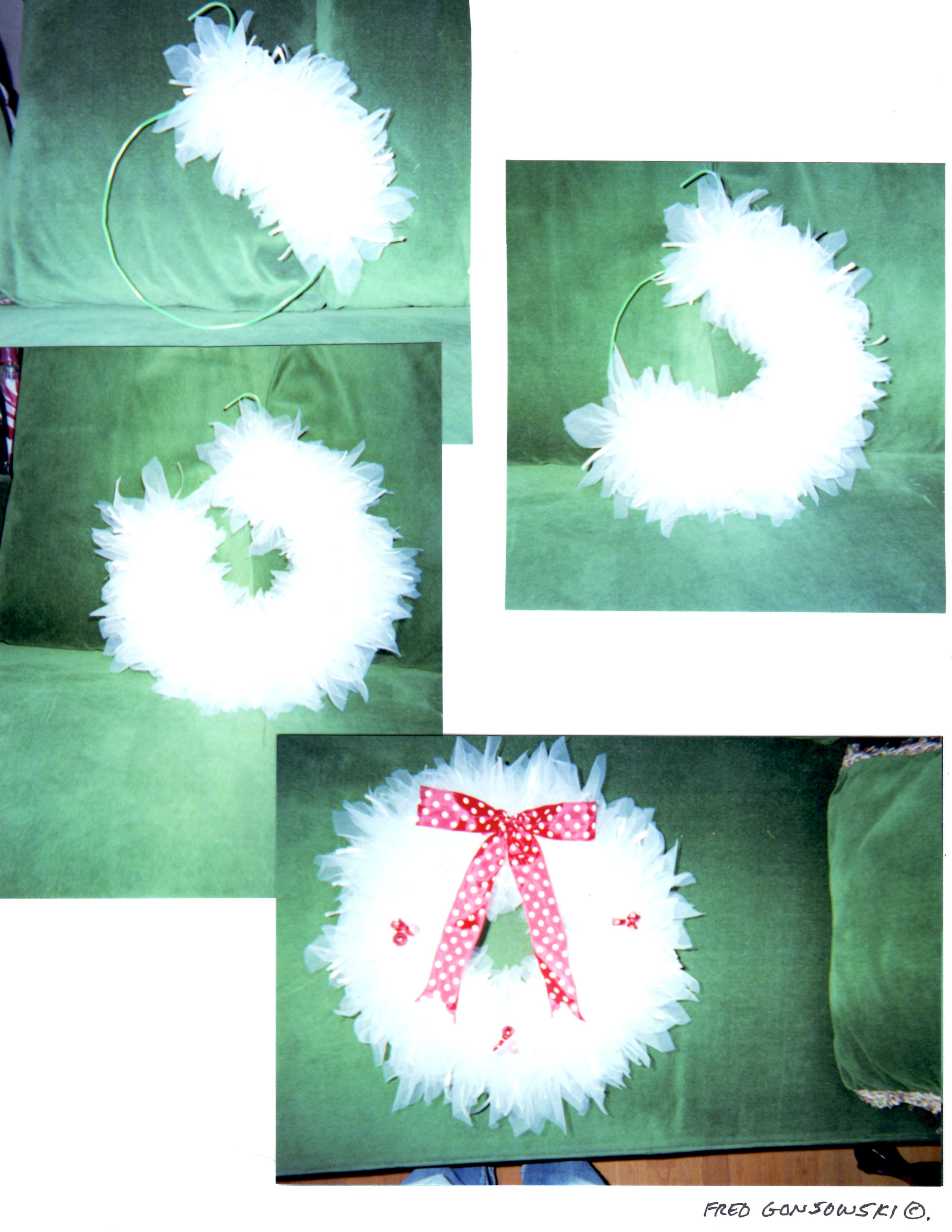 How To Decorate My Home It S Easy To Make A Tulle Christmas Wreath Fred