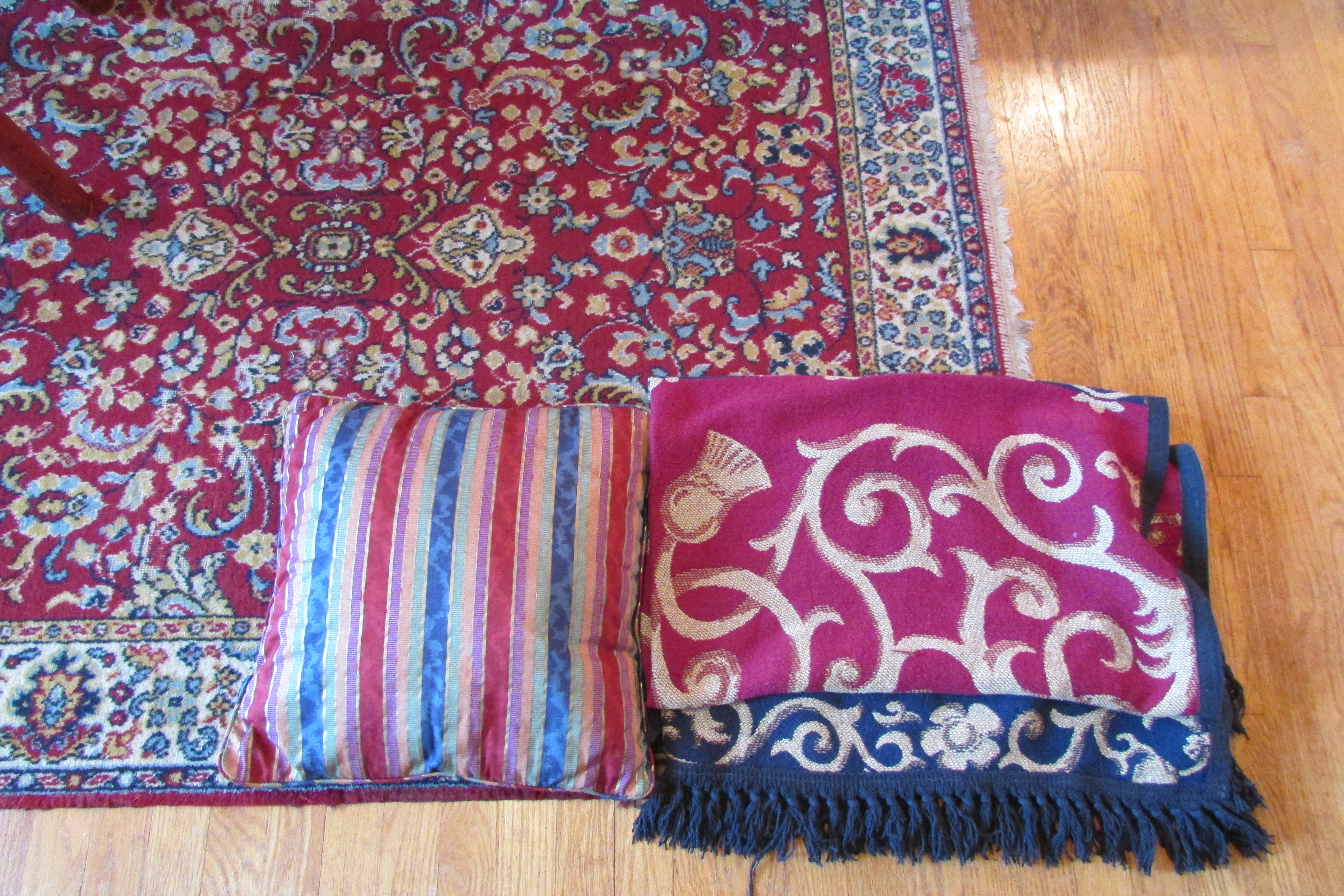 How to Pick Paint Colors that go with an Oriental Rug/Carpet | Fred ...