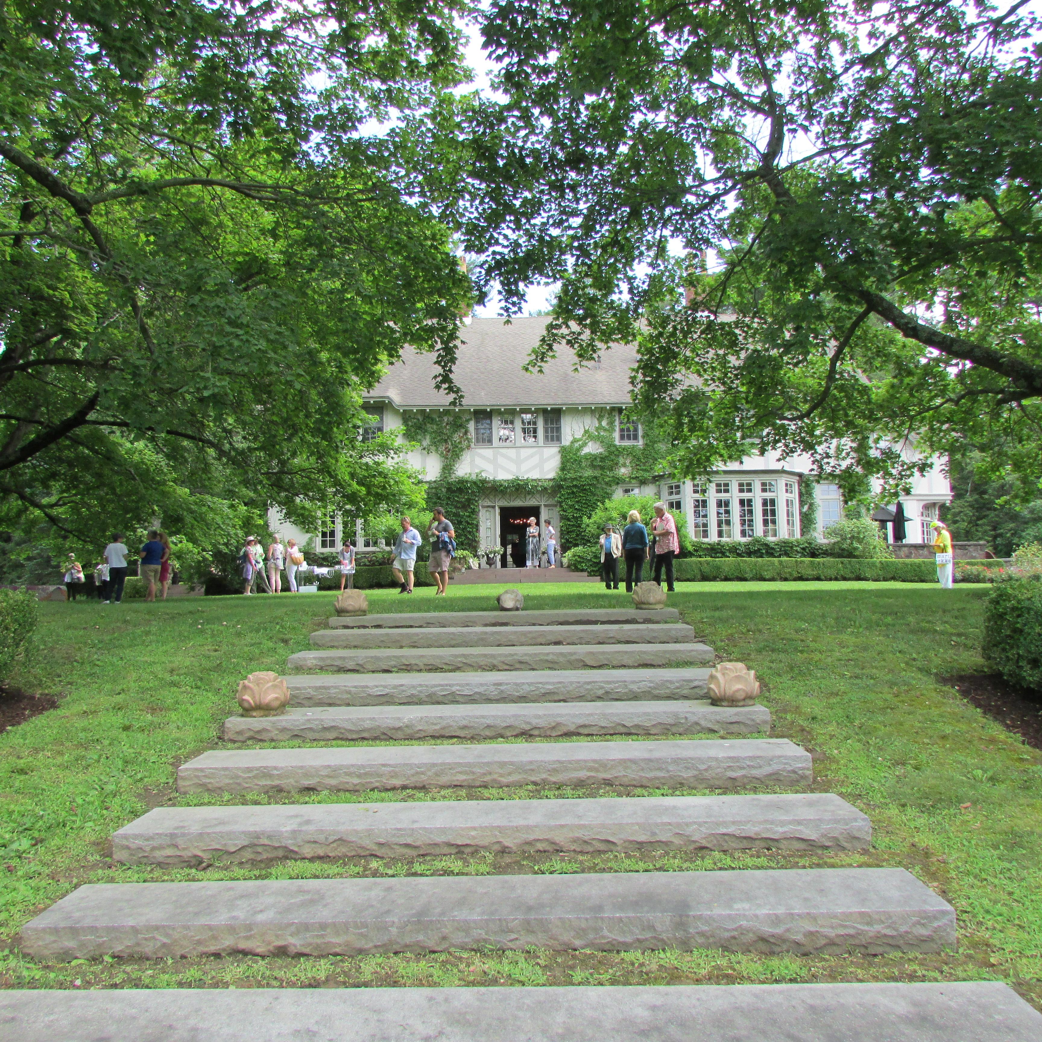 Bluestone Manor