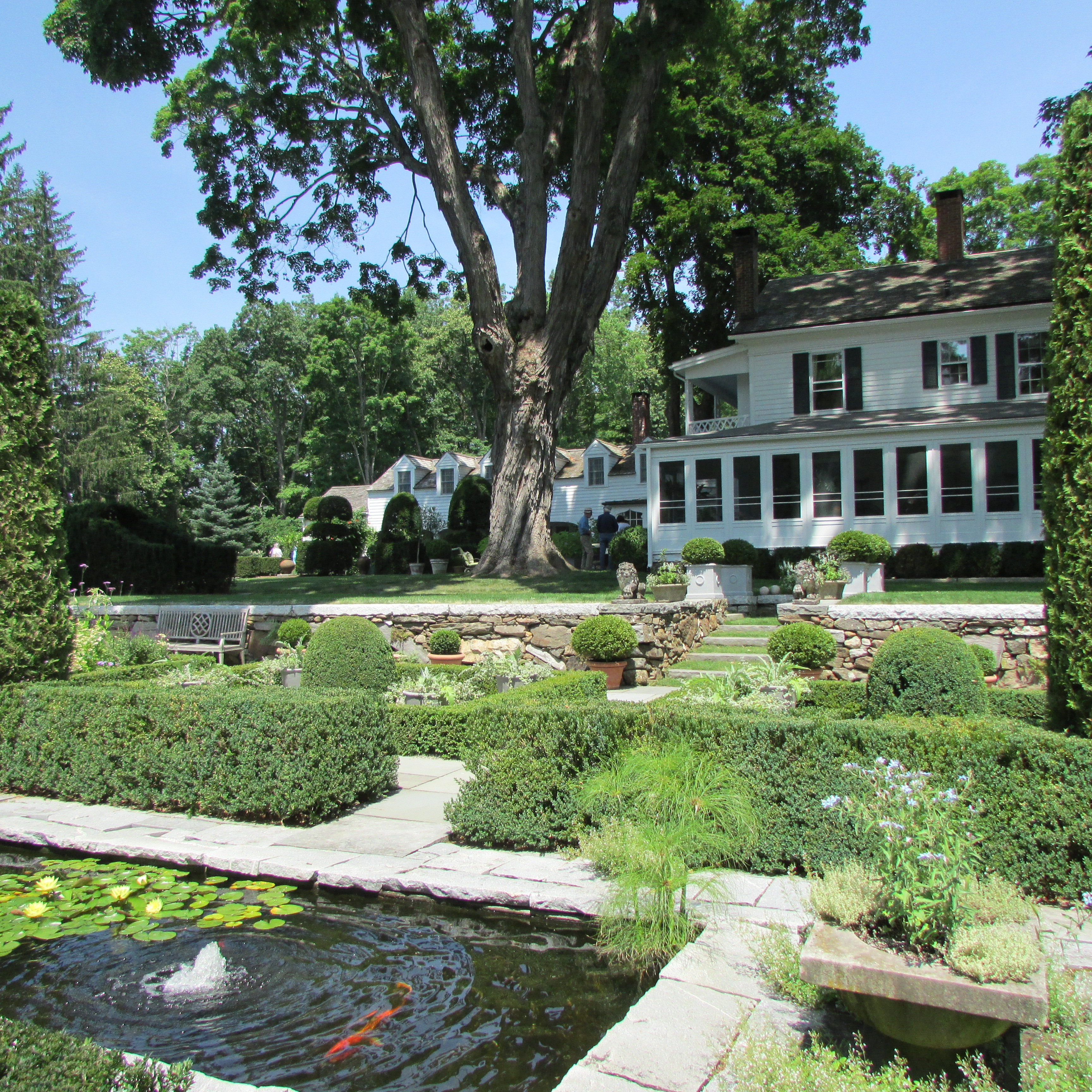 Home On Gardent Ct: Visiting Bunny Williams And John Rosselli's Garden In